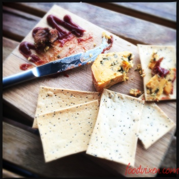 My morning tea of Shropshire Blue Cheese (not from Tassie) with Lavosh, Quince Paste and Fig (AU$10).  Don't you wish all morning teas were like this?